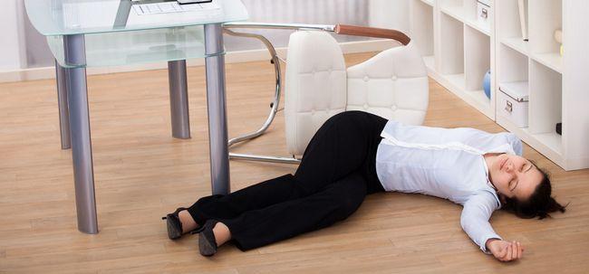 10 Ursachen und 7 Symptome von Fainting Sie sollten sich bewusst sein, Foto