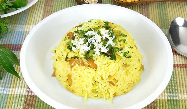 Chitranna oder Zitrone Reis