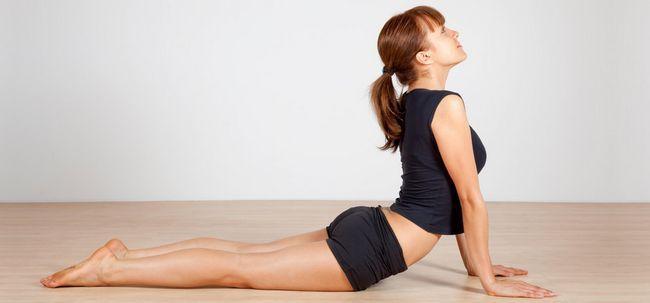 10 effektive Übungen zur Verringerung der Rückenfett Foto