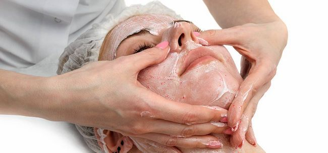 10 Marvelous Vorteile von Scrubbing für Ihre Haut Foto