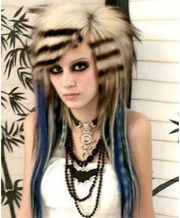 emo Frisuren für Mädchen mit kurzen Haaren