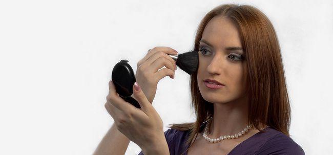 10 einfache Self Help Make-up Tipps für eine perfekte Verjüngungskur Foto