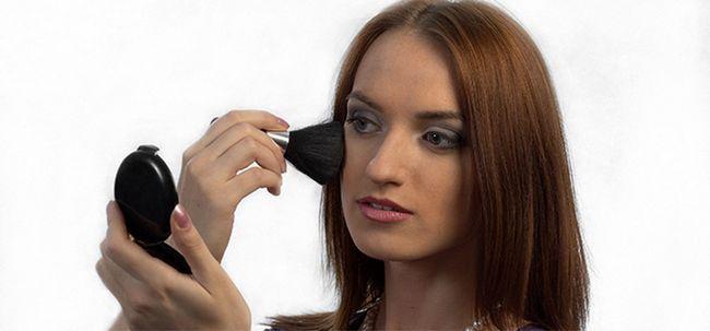 10 Surprising Mythen und Fakten über Make-up Foto
