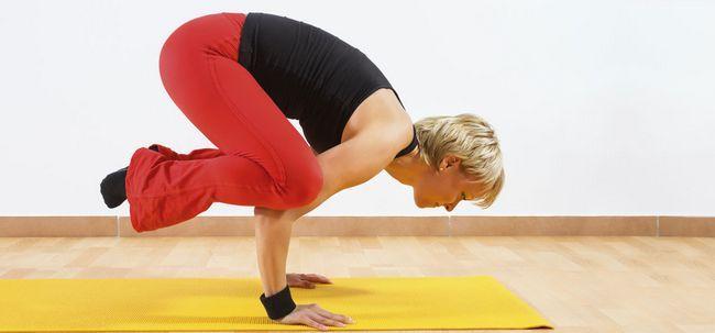 11 Effektive Yoga-Übungen, um Ihren Körper Kraft aufbauen Foto