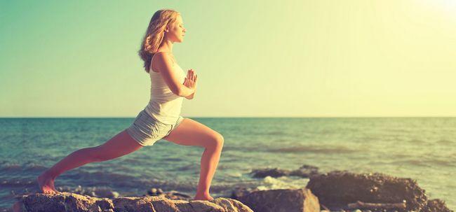 12 Yoga-Übungen Ihre Oberschenkel und Hüften in Form zu bringen Foto