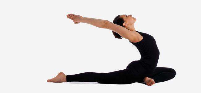 15 Effektive Pre- und Post-Workout Streckt für Frauen Foto