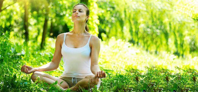 18 einfache Schritte Third Eye Meditation zu üben Foto