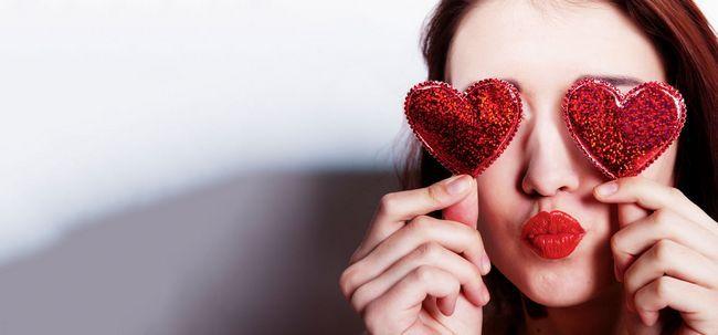 2 DIY Frisuren, die sich perfekt für Valentinstag sind Foto