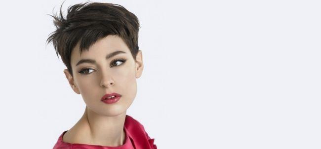 2 Erstaunlicher Sommer Frisur-Ideen für kurzes Haar mit Styling-Tipps Foto