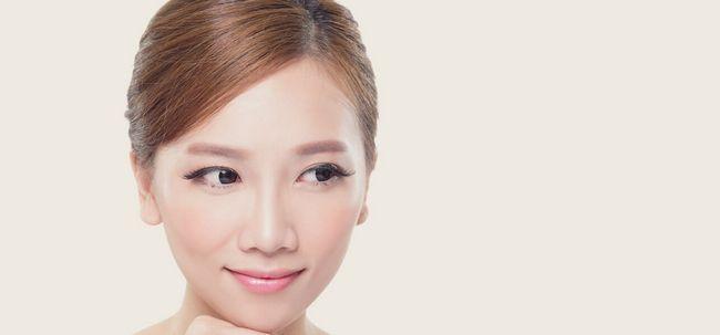 24 einfache Tipps, jünger aussehende Haut zu bekommen Foto