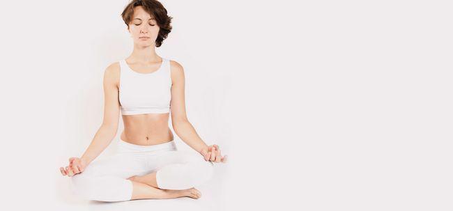 26 erstaunliche Vorteile von Yoga - A Complete Guide Foto