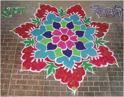 schöne rangoli Designs mit Blumen