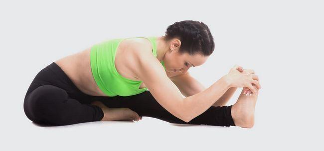 4 erstaunliche Yoga Poses Kater zu heilen Foto