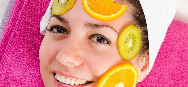 4 Einfache selbst gemachte Frucht Packs für fettige Haut Foto