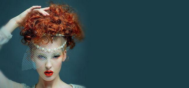 4 einfache Schritte, um Ihre Haare zu Hause zu Farbe Foto