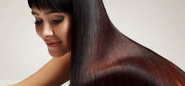 4 einfachen Schritten Glossy Haar zu bekommen Foto