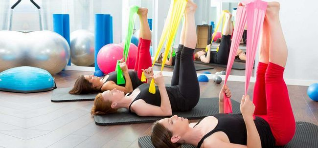 4 einfache Möglichkeiten, Fitnesstraining ist von Vorteil Foto