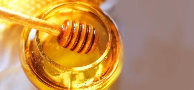 4 einfache Möglichkeiten, in denen Honig kann trockene Haut lösen Probleme Foto