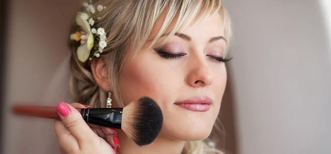4 Hochzeit Make-up Tipps für den Sommer Bräute Foto