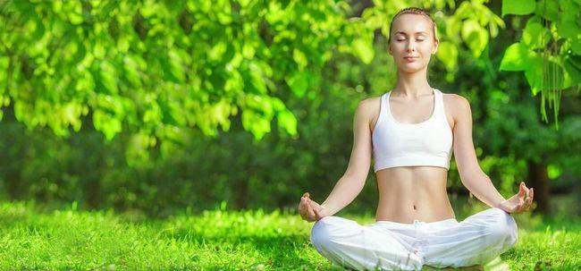5 einfache Schritte Kopfschmerzen Heilung durch Meditation Foto