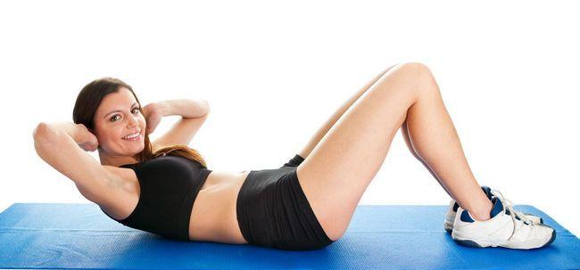 5 einfache Schritte zu tun Ab Crunches einen flachen Bauch Get Foto