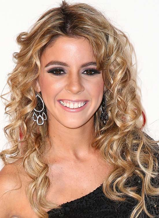 Messy-Layered-Spiral-Curls-mit-Middle-Teil