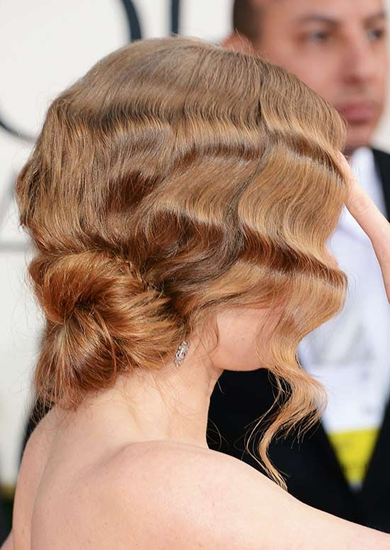 Weinlese-Strukturiert-Hair-mit-Low-Twisted-Brötchen
