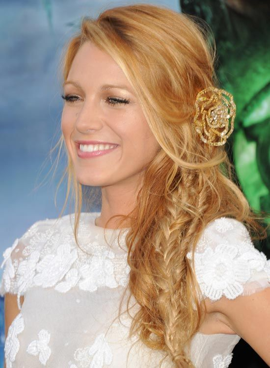 Tousled-Side-Braid-mit-Bang-und-Side-Sweep