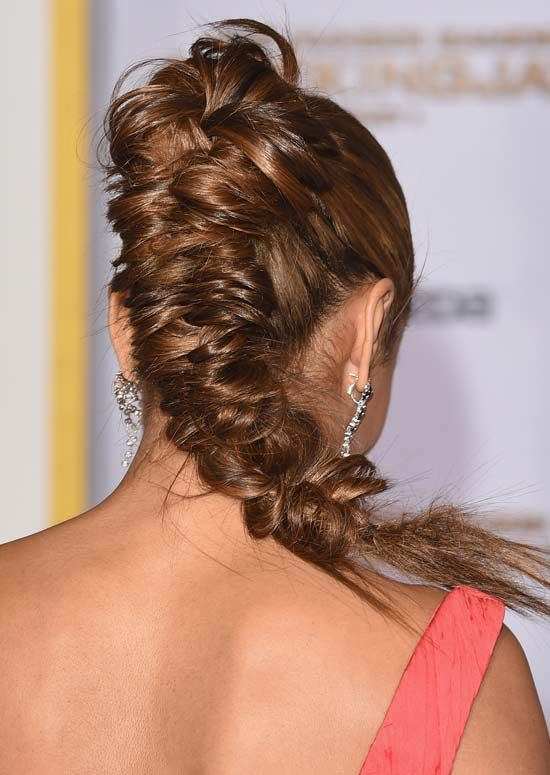 Thick-Hoch-und-Messy-Fishtail-Braid-mit-Semi-Circular-Top