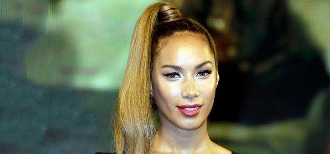 50 Frisuren für Krauses Welliges Haar Foto