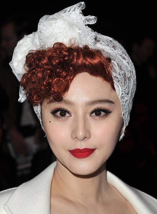 Curly-Hair-mit-Twisted-Front-und-Haar-Wrap