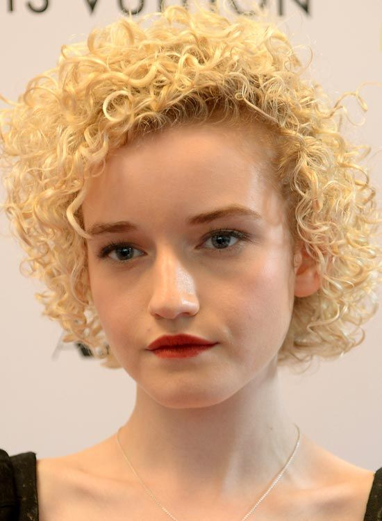 Thin-Delicate-Full-Head-Curls-on-Blonde-Bob