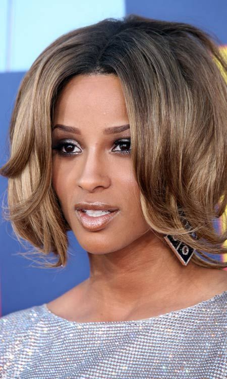 Inverted-Layered-Bob-mit-Curly-Bangs-and-Ends