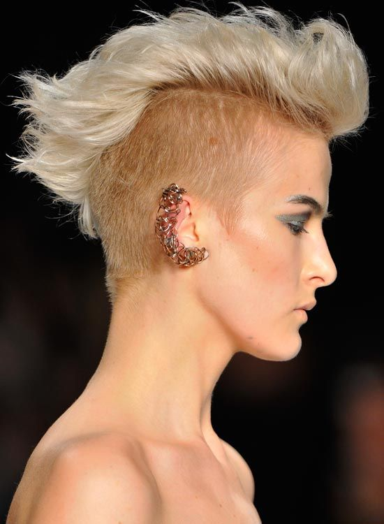Thick-Wellenförmige-Light-Golden-Blonde-Mohawk