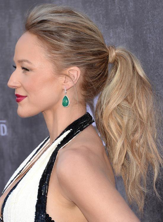 Hair-Wrapped-Feinen-und-Wellenförmige-Pferdeschwanz-mit-Pouf