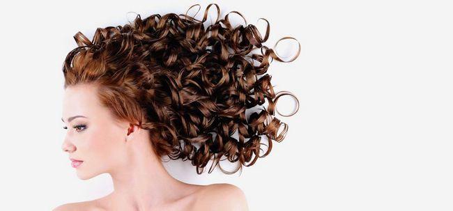 6 Natürliche Wege Ihr Haar zu Locken Foto