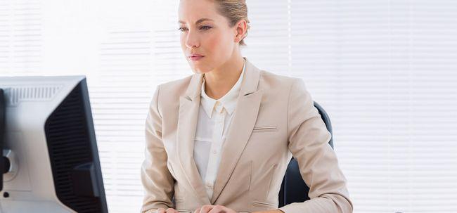 6 Schwerwiegende Gesundheitsgefahren des Sitzens Foto