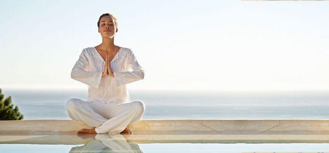 6 Wunderbare Vorteile von Wasser Meditation für Körper, Geist und Seele Foto