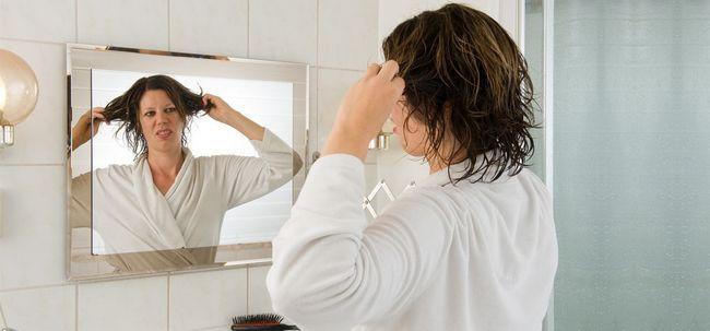 7 einfache Tipps, um Ihr Haar vor Feuchtigkeit zu schützen Foto