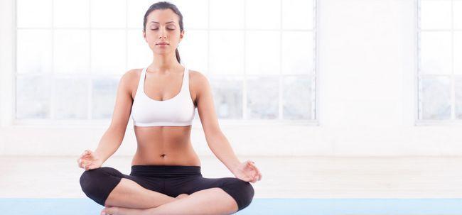 7 einfache Schritte zum Üben buddhistische Meditation Foto
