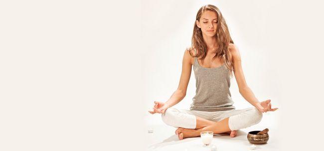 7 einfache Schritte zum Üben Jyoti Meditation Foto