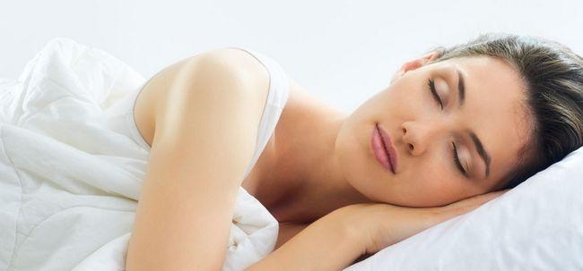 Schönheits-Schlaf - Mehr, wie man es richtig macht Foto