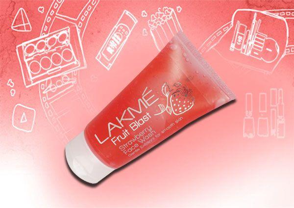 Lakme Fruit Explosion Strawberry Face Wash