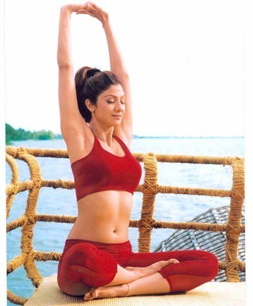 Völlig Power Yoga-Training von Shilpa Shetty Foto