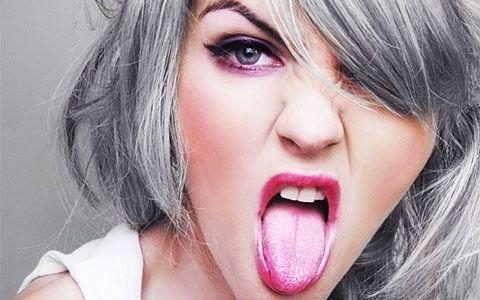 graue Haare bei Frauen