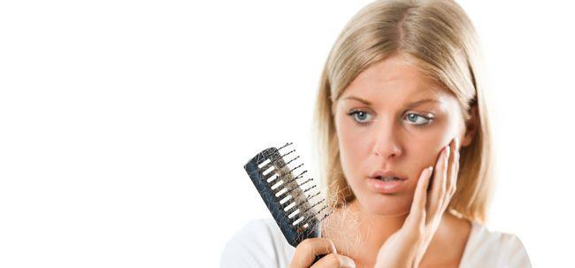 Ist der Mangel an Schlaf in Haarausfall? Foto