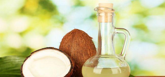 Wie funktioniert Coconut Oil Hilfe Treat Schuppe Foto