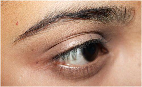 Make-up-Tipps unter den Augen Concealer