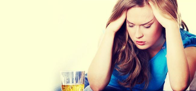 Wie ein Kater Kopfschmerzen zu heilen? Foto