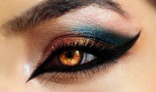 Winged Augen